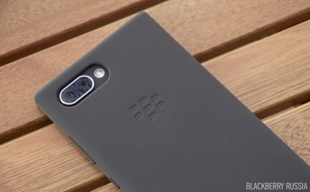 Чехлы и аксессуары для BlackBerry KEY2